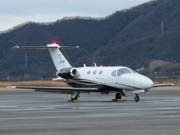F.YUKIHIDEさんが、岡南飛行場で撮影した岡山航空 510 Citation Mustangの航空フォト(飛行機 写真・画像)