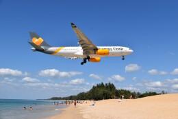 こじゆきさんが、プーケット国際空港で撮影したトーマスクック・エアラインズ A330-243の航空フォト(飛行機 写真・画像)