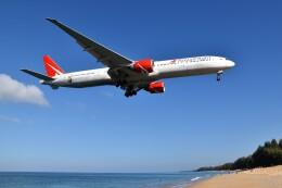 こじゆきさんが、プーケット国際空港で撮影したロイヤル・フライト 777-31H/ERの航空フォト(飛行機 写真・画像)