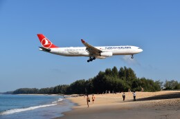 こじゆきさんが、プーケット国際空港で撮影したターキッシュ・エアラインズ A330-343Xの航空フォト(飛行機 写真・画像)