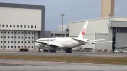 誘喜さんが、那覇空港で撮影した日本航空 777-289の航空フォト(飛行機 写真・画像)