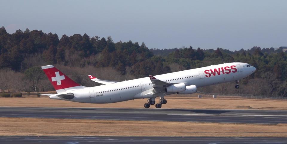 taka1129さんのスイスインターナショナルエアラインズ Airbus A340-300 (HB-JMI) 航空フォト