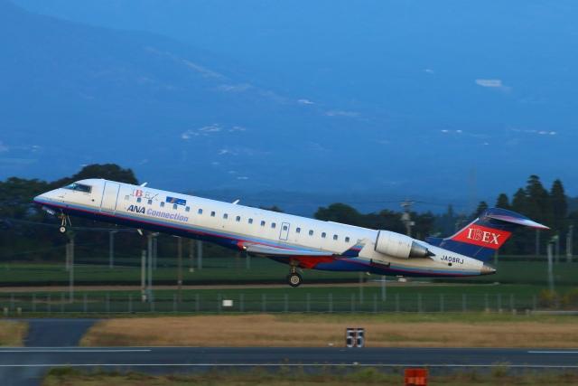 Kuuさんが、鹿児島空港で撮影したアイベックスエアラインズ CL-600-2C10 Regional Jet CRJ-702の航空フォト(飛行機 写真・画像)
