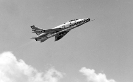 Y.Todaさんが、福岡空港で撮影したアメリカ空軍 F-100D Super Sabreの航空フォト(飛行機 写真・画像)
