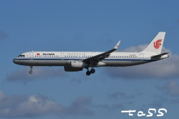 tassさんが、成田国際空港で撮影した中国国際航空 A321-232の航空フォト(飛行機 写真・画像)