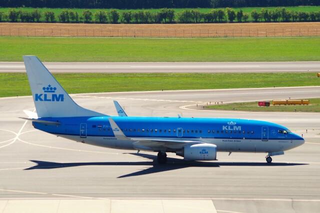 ちっとろむさんが、ウィーン国際空港で撮影したKLMオランダ航空 737-7K2の航空フォト(飛行機 写真・画像)