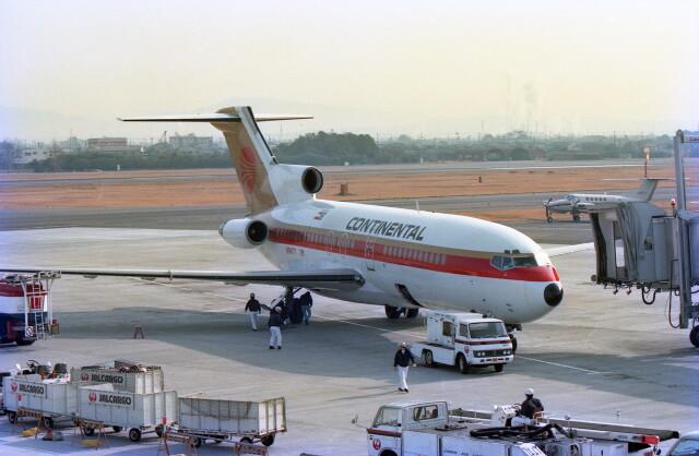 @たかひろさんが、名古屋飛行場で撮影したコンチネンタル・ミクロネシア 727-30の航空フォト(飛行機 写真・画像)