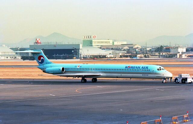 @たかひろさんが、名古屋飛行場で撮影した大韓航空 MD-82 (DC-9-82)の航空フォト(飛行機 写真・画像)