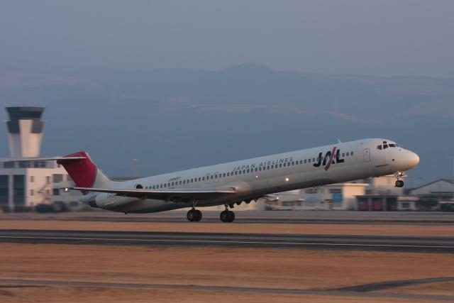 kengo.k@RJFTさんが、熊本空港で撮影した日本航空 MD-81 (DC-9-81)の航空フォト(飛行機 写真・画像)