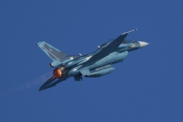Mark-5さんが、松島基地で撮影した航空自衛隊 F-2Bの航空フォト(飛行機 写真・画像)