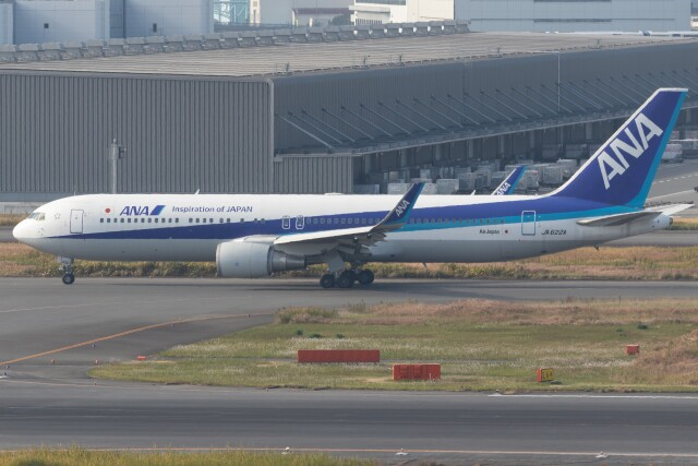 walker2000さんが、羽田空港で撮影した全日空 767-381/ERの航空フォト(飛行機 写真・画像)