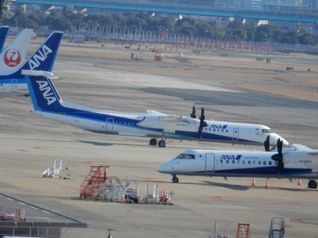 commet7575さんが、福岡空港で撮影したANAウイングス DHC-8-402Q Dash 8の航空フォト(飛行機 写真・画像)
