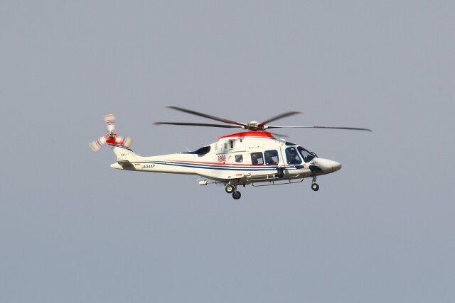 khideさんが、伊丹空港で撮影した朝日新聞社 AW169の航空フォト(飛行機 写真・画像)