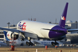 パンダさんが、成田国際空港で撮影したフェデックス・エクスプレス 777-FS2の航空フォト(飛行機 写真・画像)