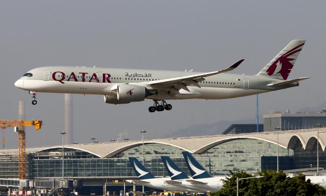 Asamaさんが、香港国際空港で撮影したカタール航空 A350-941の航空フォト(飛行機 写真・画像)