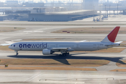 Y-Kenzoさんが、羽田空港で撮影した日本航空 777-346の航空フォト(飛行機 写真・画像)