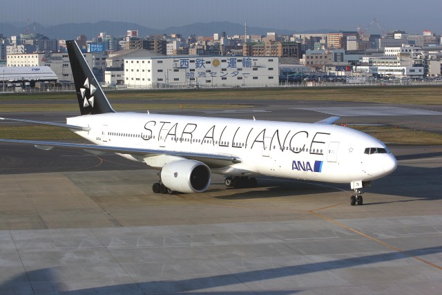 ansett747さんが、福岡空港で撮影した全日空 777-281の航空フォト(飛行機 写真・画像)