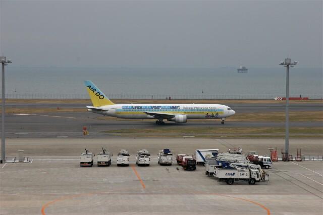 もぐ3さんが、羽田空港で撮影したAIR DO 767-33A/ERの航空フォト(飛行機 写真・画像)