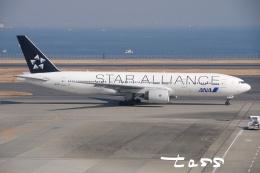 tassさんが、羽田空港で撮影した全日空 777-281の航空フォト(飛行機 写真・画像)
