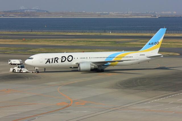 メンチカツさんが、羽田空港で撮影したAIR DO 767-33A/ERの航空フォト(飛行機 写真・画像)
