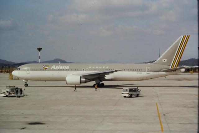 ゴンタさんが、金浦国際空港で撮影したアシアナ航空 767-38Eの航空フォト(飛行機 写真・画像)