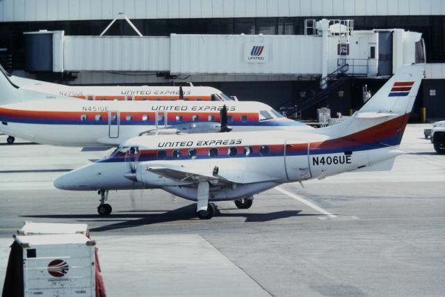 ゴンタさんが、ロサンゼルス国際空港で撮影したユナイテッド・エクスプレス BAe-3101 Jetstream 31の航空フォト(飛行機 写真・画像)