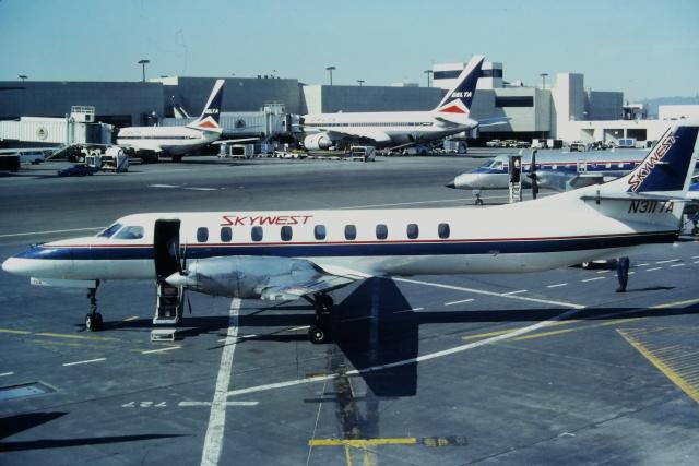 ゴンタさんが、ロサンゼルス国際空港で撮影したスカイウエスト・エアラインズ SA-227AC Metro IIIの航空フォト(飛行機 写真・画像)