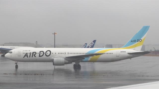 誘喜さんが、羽田空港で撮影したAIR DO 767-33A/ERの航空フォト(飛行機 写真・画像)