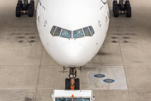Y-Kenzoさんが、羽田空港で撮影した全日空 777-281の航空フォト(飛行機 写真・画像)