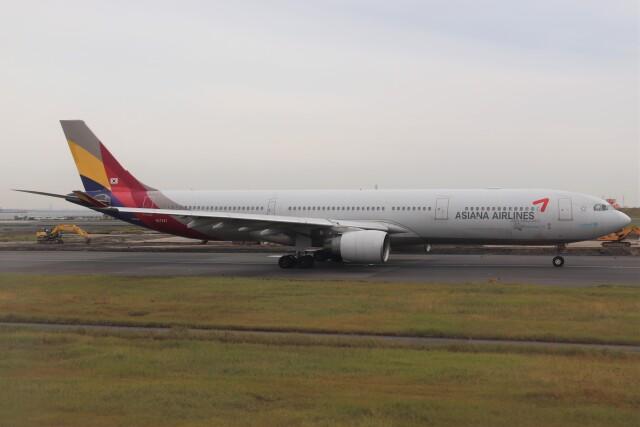 BOEING737MAX-8さんが、羽田空港で撮影したアシアナ航空 A330-323Xの航空フォト(飛行機 写真・画像)