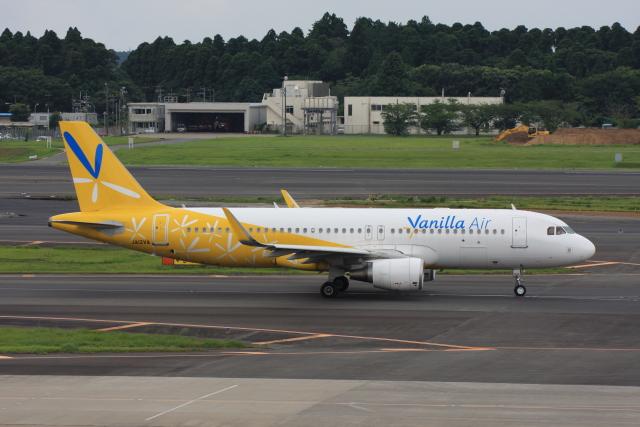 wunalaさんが、成田国際空港で撮影したバニラエア A320-214の航空フォト(飛行機 写真・画像)