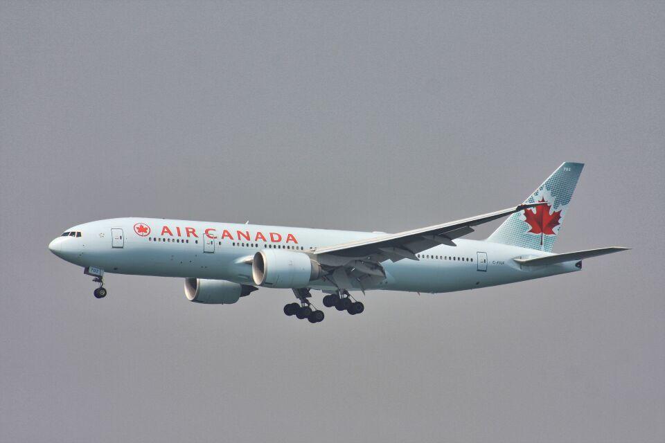 wunalaさんのエア・カナダ Boeing 777-200 (C-FIUF) 航空フォト