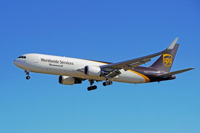 ちゃぽんさんが、成田国際空港で撮影したUPS航空 767-34AF/ERの航空フォト(飛行機 写真・画像)
