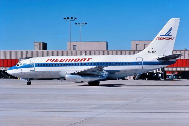 パール大山さんが、ハーツフィールド・ジャクソン・アトランタ国際空港で撮影したピードモント航空 737-201の航空フォト(飛行機 写真・画像)