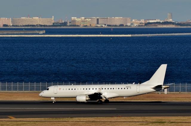 h_wajyaさんが、羽田空港で撮影したアメリカ個人所有 ERJ-190-100 ECJ (Lineage 1000)の航空フォト(飛行機 写真・画像)
