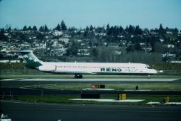 ゴンタさんが、ポートランド国際空港で撮影したリノ・エア MD-82 (DC-9-82)の航空フォト(飛行機 写真・画像)