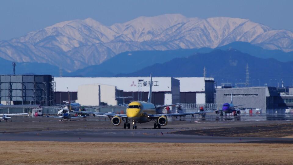 ハミングバードさんのフジドリームエアラインズ Embraer 175 (JA07FJ) 航空フォト