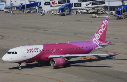 Wasawasa-isaoさんが、中部国際空港で撮影したピーチ A320-214の航空フォト(飛行機 写真・画像)