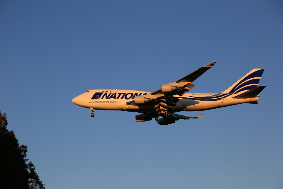flyskyさんのナショナル・エアラインズ Boeing 747-400 (N702CA) 航空フォト