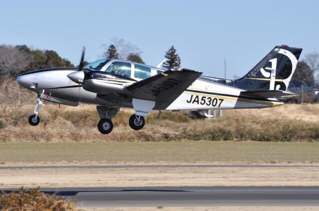 デルタおA330さんが、ホンダエアポートで撮影した日本個人所有 58 Baronの航空フォト(飛行機 写真・画像)