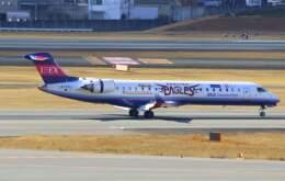 VICTER8929さんが、伊丹空港で撮影したアイベックスエアラインズ CL-600-2C10 Regional Jet CRJ-702の航空フォト(飛行機 写真・画像)
