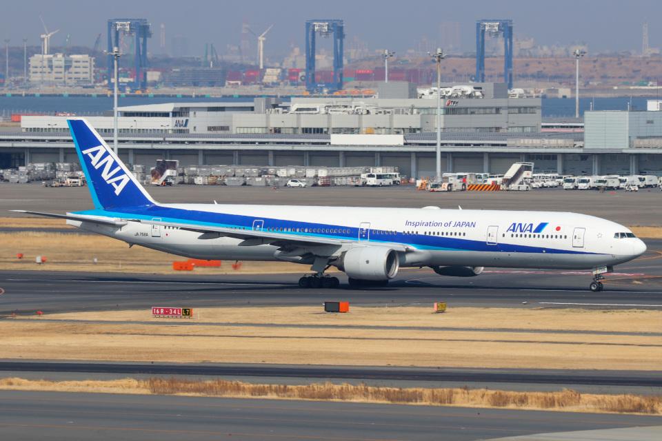ドガースさんの全日空 Boeing 777-300 (JA756A) 航空フォト