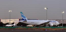 taka1129さんが、羽田空港で撮影したユーロアトランティック・エアウェイズ 777-212/ERの航空フォト(飛行機 写真・画像)