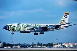 パール大山さんが、マイアミ国際空港で撮影したエクアトリアナ航空 720-023B(F)の航空フォト(飛行機 写真・画像)