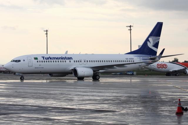 kinsanさんが、アタテュルク国際空港で撮影したトルクメニスタン航空 737-82Kの航空フォト(飛行機 写真・画像)
