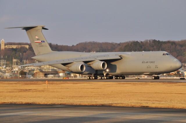 デルタおA330さんが、横田基地で撮影したアメリカ空軍 C-5M Super Galaxyの航空フォト(飛行機 写真・画像)