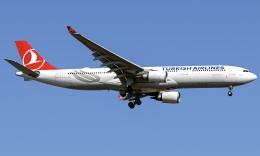 spottingvehicleさんが、イスタンブール空港で撮影したターキッシュ・エアラインズ A330-303の航空フォト(飛行機 写真・画像)