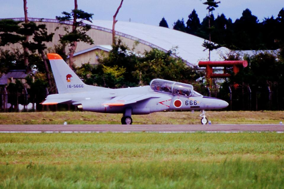 AWACSさんの航空自衛隊 Kawasaki T-4 (16-5666) 航空フォト