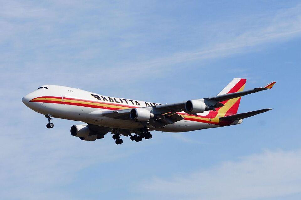 ladyinredさんのカリッタ エア Boeing 747-400 (N401KZ) 航空フォト