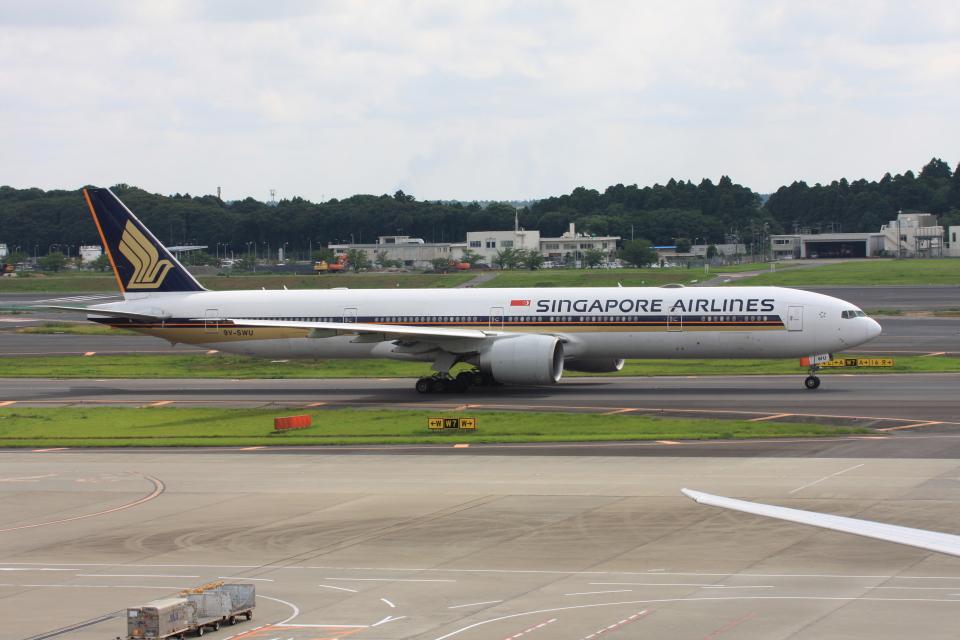 wunalaさんのシンガポール航空 Boeing 777-300 (9V-SWU) 航空フォト
